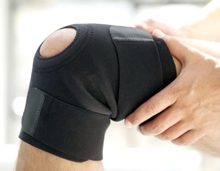 Колено разгибается болит щелкает сустав имеющий только одну ось вращения