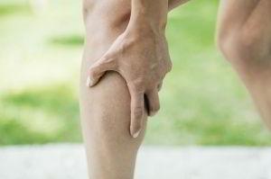 Боль в ноге ниже колена