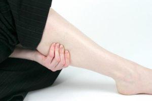 Чешутся ноги ниже колен