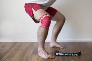 При приседании и вставании болят колени