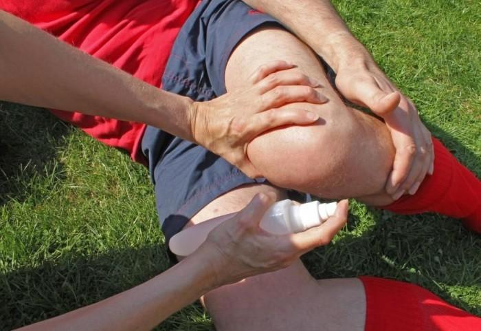 Боли в коленях причины лечение в домашних условиях, практические советы