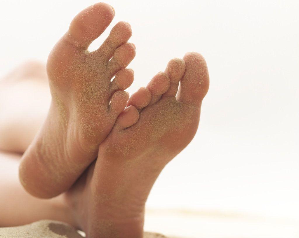 Как смягчить кожу на пятках и размягчить ее в домашних условиях